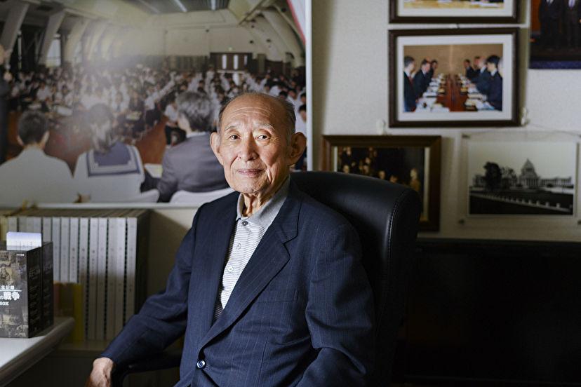 経験者が戦争の悲惨さを教えてやれ」田中角栄の言葉に突き動かされて ...